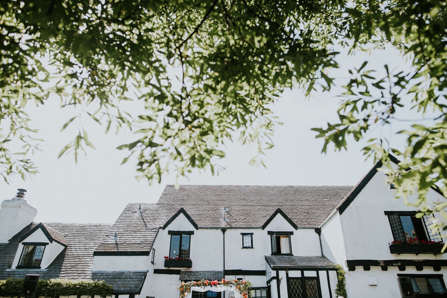 Pelican Inn summer lawn wedding ceremony